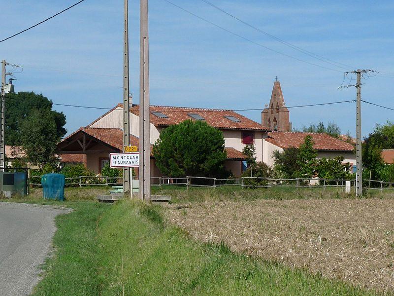 Montclar l'entrée du village