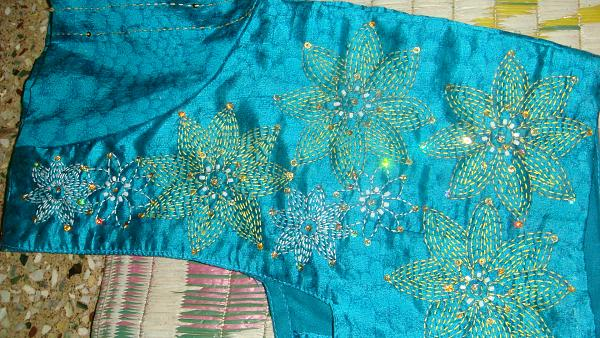 khanta sur une blouse